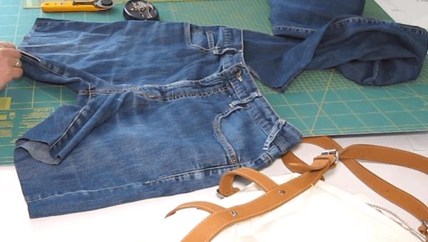 tasche aus einer alten jeans mit ledergurten upcycling cheznu tv. Black Bedroom Furniture Sets. Home Design Ideas