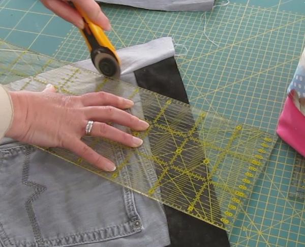 upcycling patchwork jeanstasche diy aus alten jeans cheznu tv. Black Bedroom Furniture Sets. Home Design Ideas