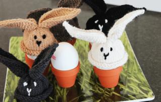 Häschen-Eierwärmer für Ostern stricken