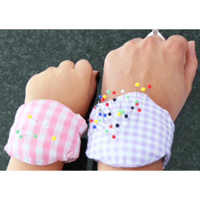 Nadelkissen fürs Handgelenk - kostenloses Schnittmuster