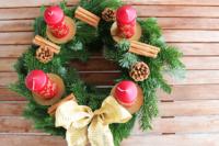 adventskranz_selbst_machen_artikelbild_diy_weihnachtsdeko_und_adventsgesteck