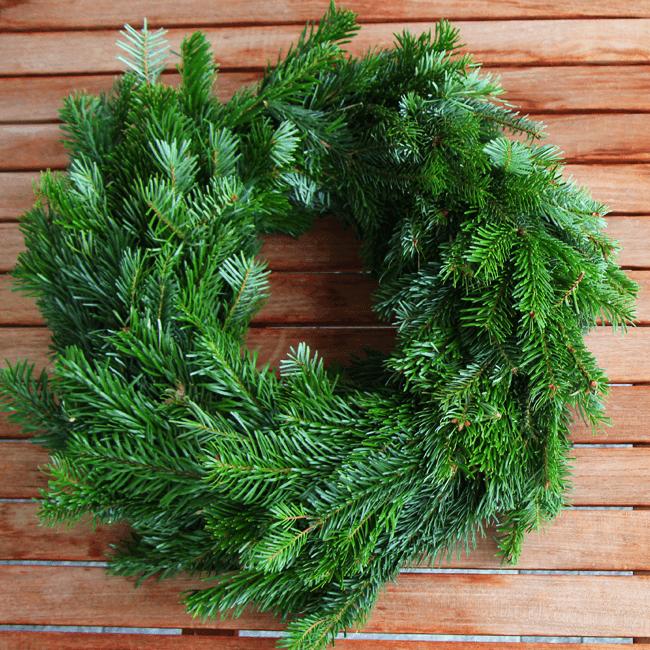 Nicoles adventskranz adventskranz binden einfach erkl rt for Advents und weihnachtsdeko selber machen anleitung