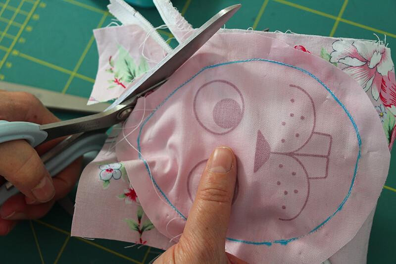 Hasen-Täschchen nähen gratis Schnittmuster gratis Plotterdatei - 09 zuschneiden