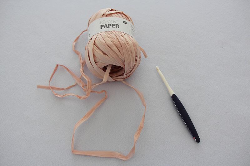 Griffe-in-eine-Tasche-aus-Bast-einhäkeln-01-Material
