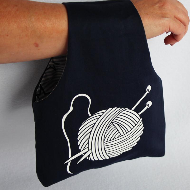 Stricktasche nähen Schnittmuster und Plotterdatei - Stricktasche Auckland am Handgelenk
