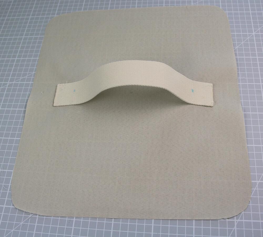 Tasche mit Reißverschluss nähen für IKEA Godmorgon - 06 Gurt annähen