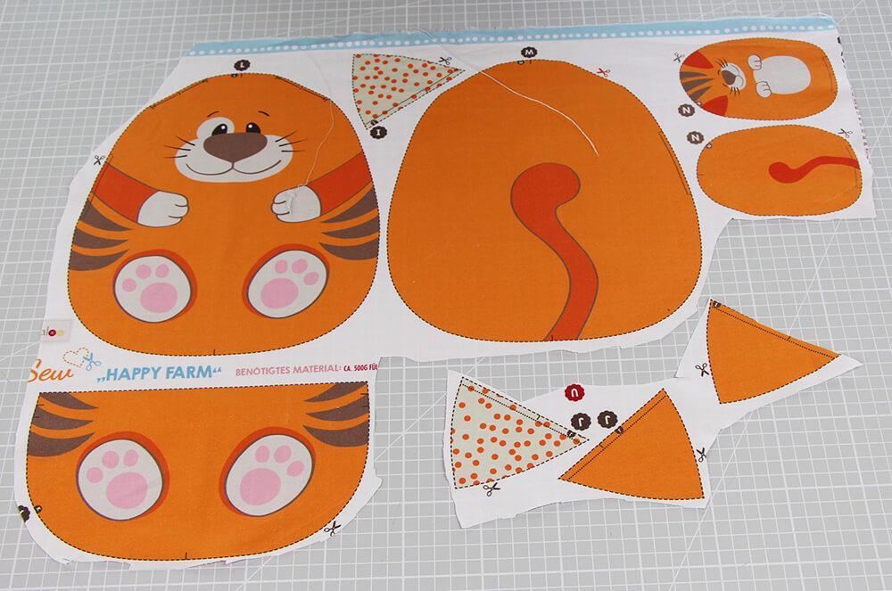 Einfaches Stofftier nähen für Anfägner - 09 Stoff Katze