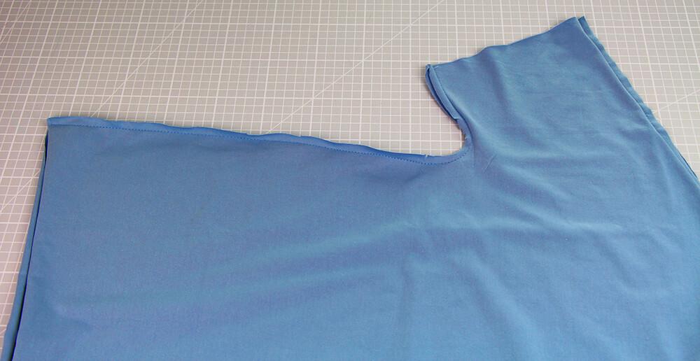 Einfaches T-Shirt nähen für Anfänger - 16 Seitennaht