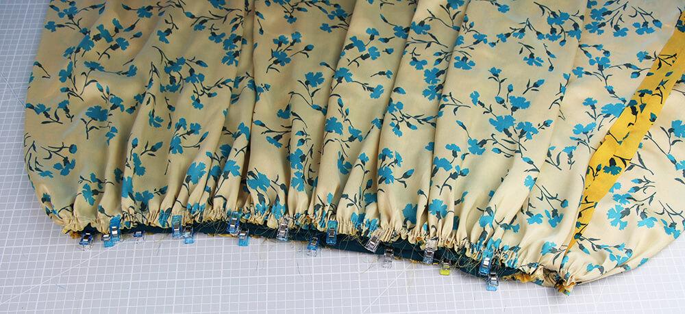 Einfaches Kleid nähen für Anfänger - 18 Rock raffen