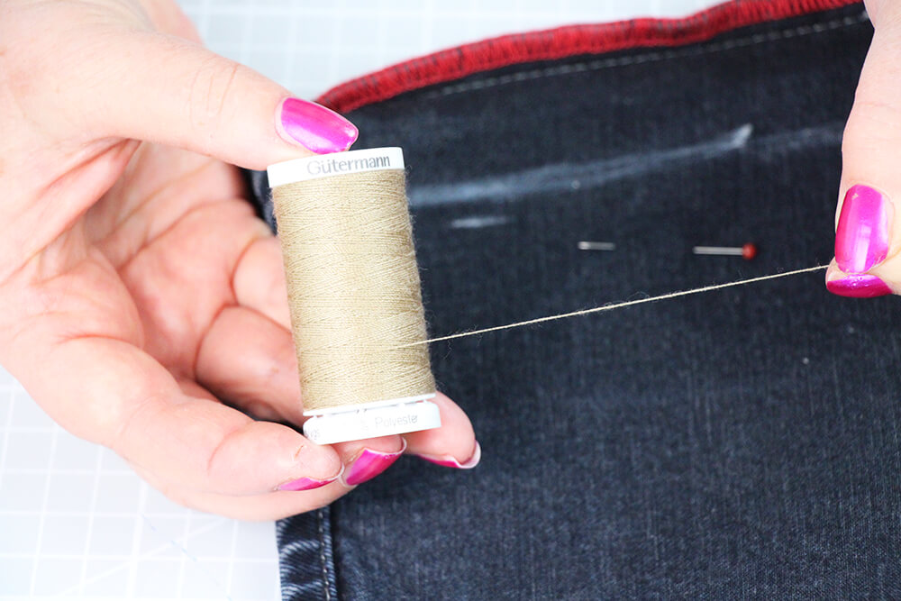 Jeans enger nähen Beine schmäler nähen für Anfänger - 02 Garn auswählen