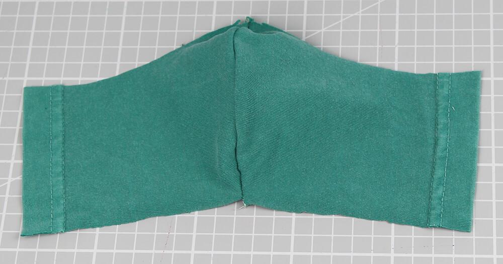 Mundschutz nähen aus Shirts mit nur einer Naht - 04 fertige Maske